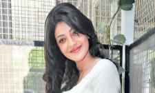 Kajal Aggarwal Learning Chess - Sakshi