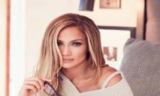 New York Photographer Filed Case On Jennifer  Lopez - Sakshi