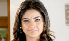 Meera Chopra Ask NTR To Respond His Fans Behaviour - Sakshi