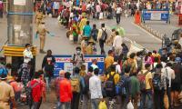heavy rush in secunderabad railway Station photo gallery - Sakshi