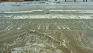 Heavy Water Inflow in Krishna Rivers vijayawada photo gallery - Sakshi