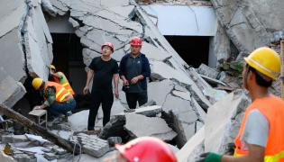 Restaurant Collapses In China Photo Gallery - Sakshi