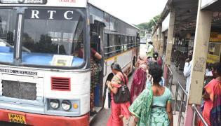 City buses hit the roads in vijayawada Photo Gallery - Sakshi