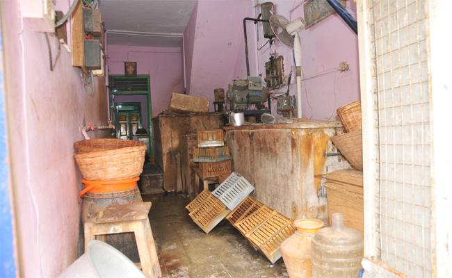 Adulterated Ice Creams Manufacturing in Chittoor - Sakshi