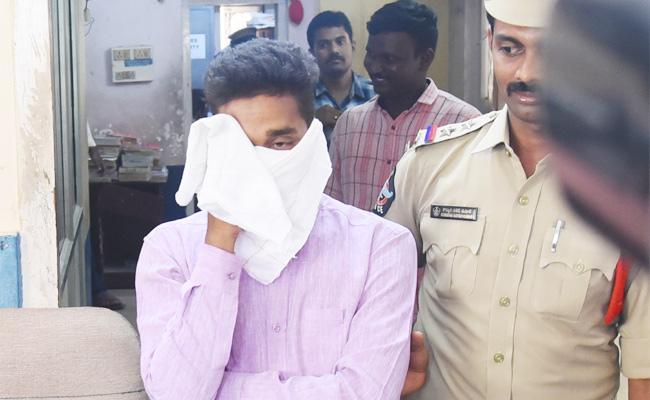 Cricketer Arrested in Fraud Case Vijayawada - Sakshi
