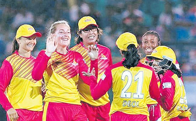 Trailblazers pull-off stylish win against Supernovas despite of Harmanpreet's bashing - Sakshi