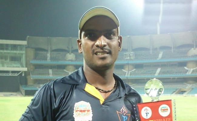 Maharashtra Cricketer Stabbed To Death By Three Unknown Assailants - Sakshi