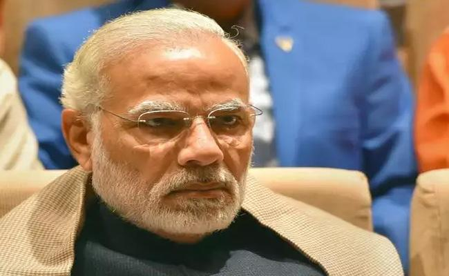 PM Modi Fires On Central Ministers who Absent To Parliament Sessions - Sakshi