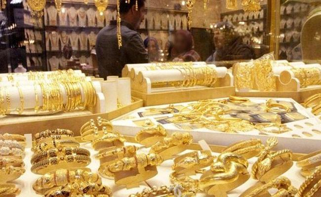 Gold Prices To Reach 42k Mark in December - Sakshi