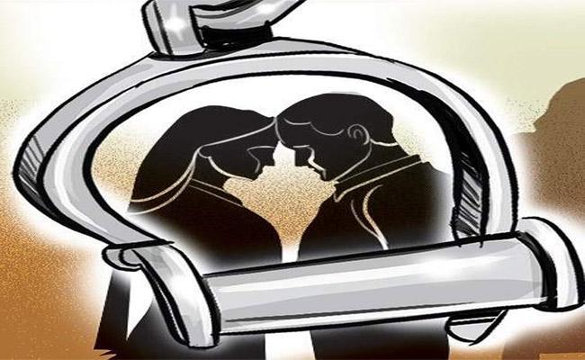 Woman Kills Husband For Suspecting Her Character In Karimnagar District - Sakshi