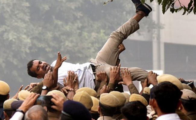 JNU Student Rally In Delhi 144 Section In JNU - Sakshi
