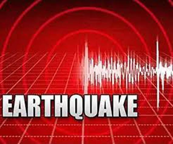 Earthquake jolts Delhi NCR And Uttar Pradesh - Sakshi
