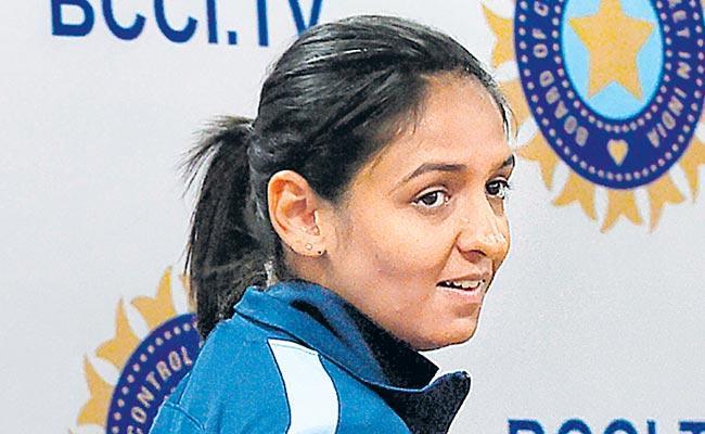 Handling Pressure Situations At World Cup Key For India Says Harmanpreet Kaur  - Sakshi