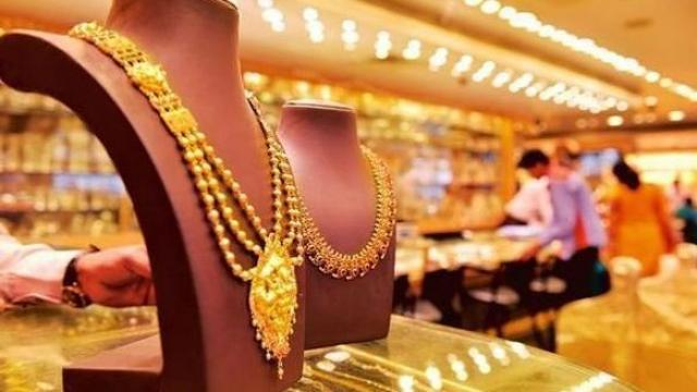 Gold Silver Prices Rise To New Highs - Sakshi