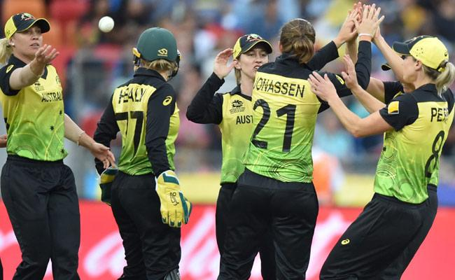 ICC T20 World Cup 1st Match: Team India Struggles With Australia - Sakshi
