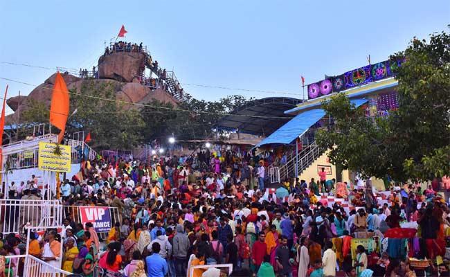 Minister Jagadish Reddy Attended Nalgonda Lord Shiva Temple Ustavalu In Nalgonda - Sakshi