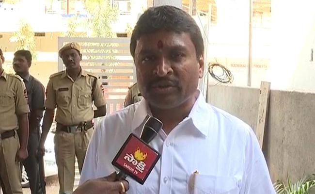 Vellampalli Srinivas Slams Nimmagadda Ramesh Kumar Over Letter - Sakshi