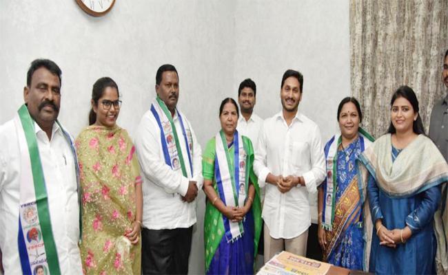 TDP Empty in Singanamala Constituency - Sakshi