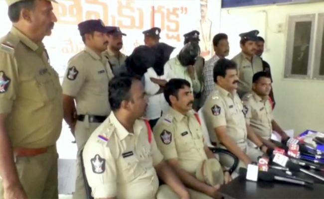 Murder Conspiracy To Kill AV Subbareddy Has Destroyed By Police - Sakshi