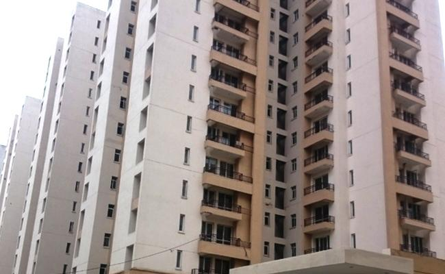 Covid 19 Centre Issues Notification To Take Action On Landlords In Delhi - Sakshi
