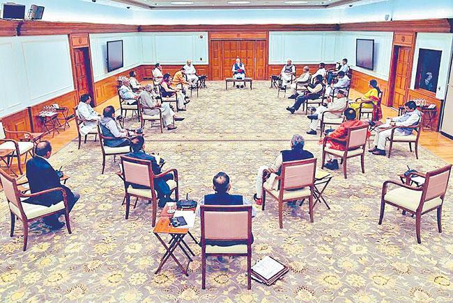 Treat doctors with respect Says PM Narendra Modi - Sakshi