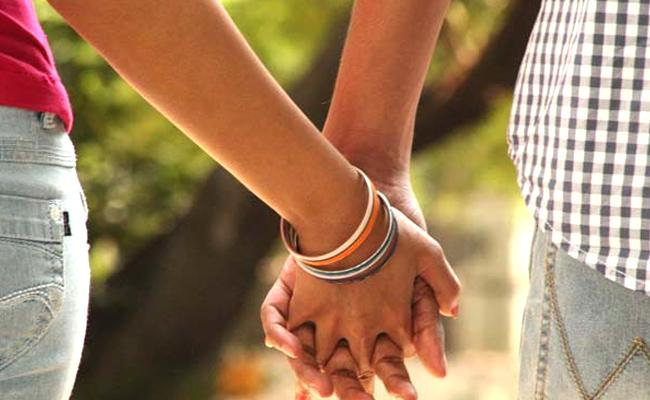 Lovers End lives in Mancherial - Sakshi
