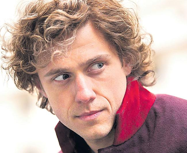 Aaron Tveit Tests Positive for COVID-19 - Sakshi