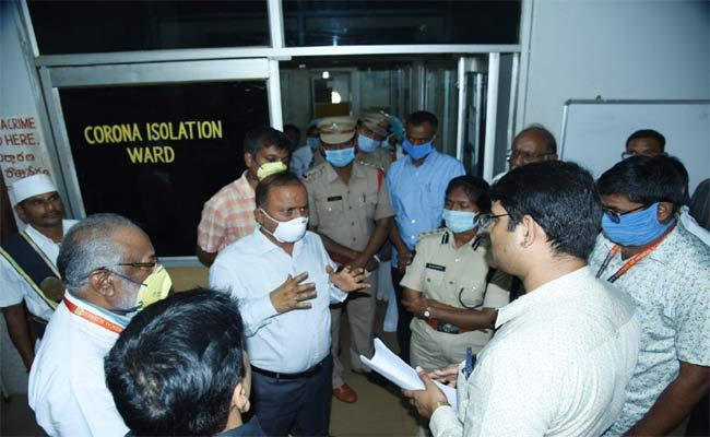 Police And Sanitation Department Staff Work Against To The Coronavirus - Sakshi