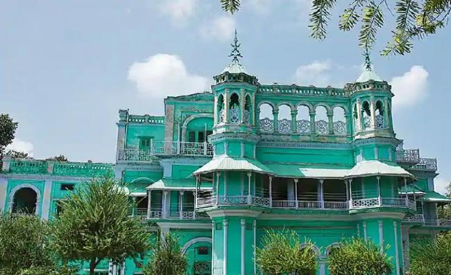 Court Gives Inheritance of Property of Faridkot Maharaja To Daughters And Wife - Sakshi