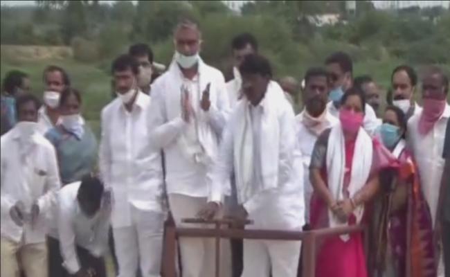 Harish Rao Slams Congress Comments On Kaleshwaram Project - Sakshi
