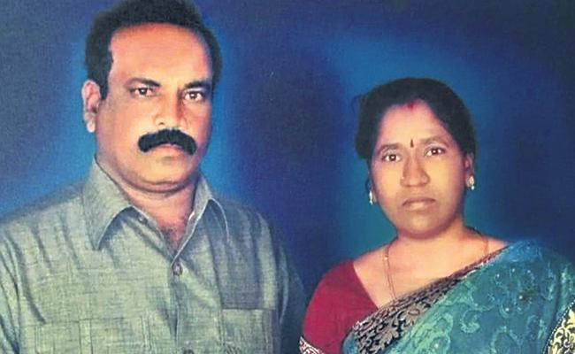 Alcohol Addicted Husband Assassinated Wife in Hyderabad - Sakshi