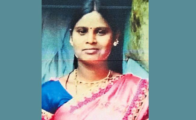 Married Women Swaroopa Missing in Medak - Sakshi
