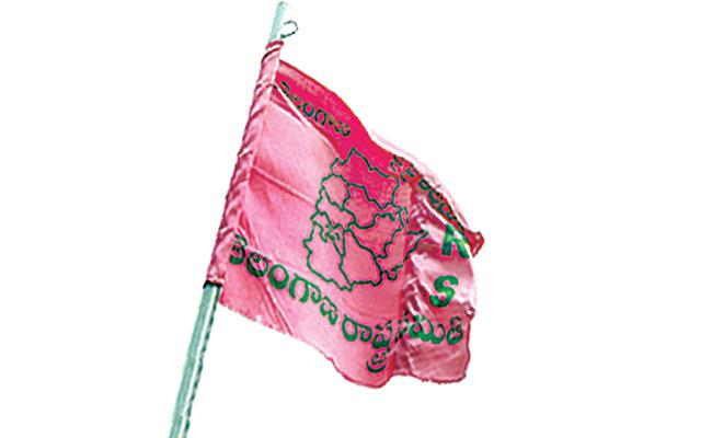 TRS Party Senior Leaders Conflicts in Vikarabad - Sakshi