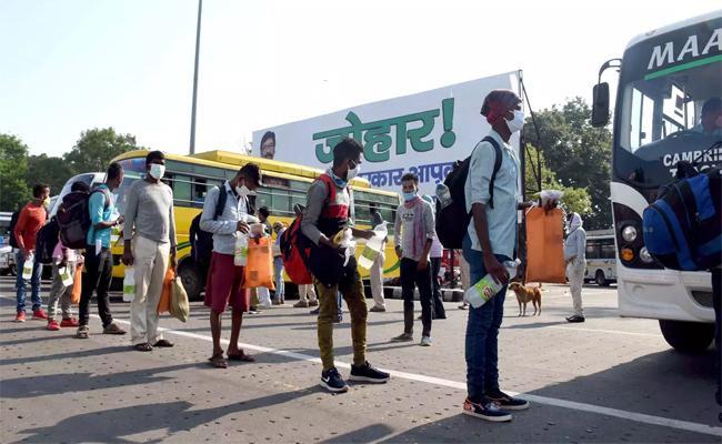 Mumbai Lawyer Deposit Rs.25 Lakhs For Return Migrants Mumbai To UP - Sakshi