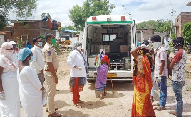 Women And Seven months Baby Positive in Nalgonda - Sakshi