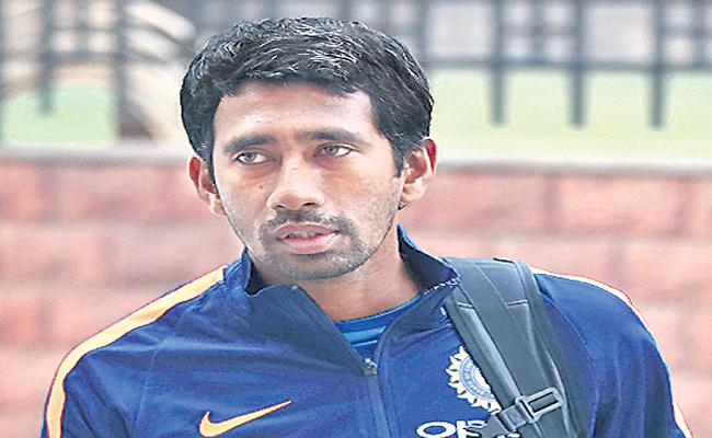 My Father Helped Me In Practice Session Says Wriddhiman Saha - Sakshi