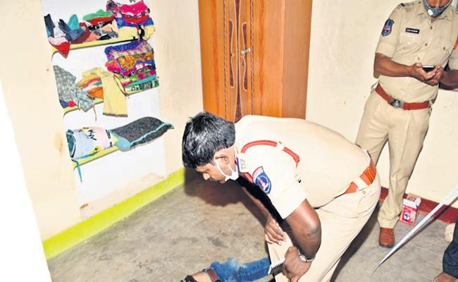 Friend Assassinated in Kadthal Illegal Relation With Cousin - Sakshi