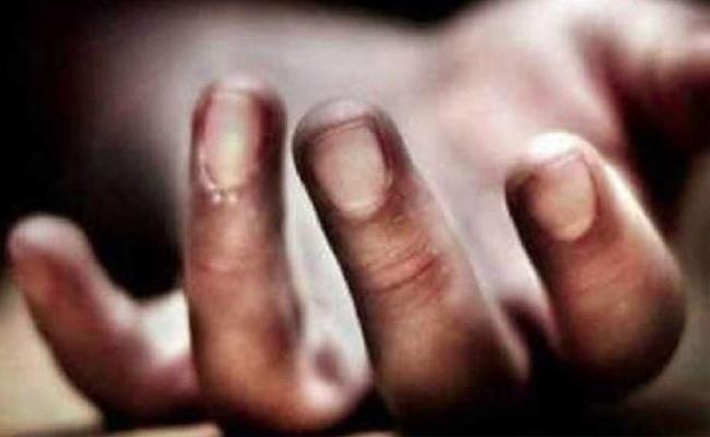 Woman Dead Body Found In vikarabad - Sakshi