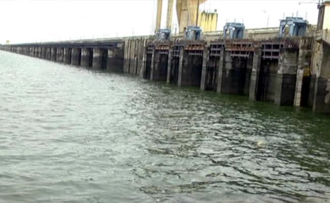 Heavy Rains: Inflow Increased To Sriramsagar Project - Sakshi