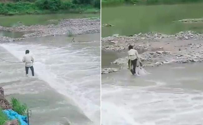 Car Driver Last Breath After Car Crashes Into River In Vikarabad - Sakshi