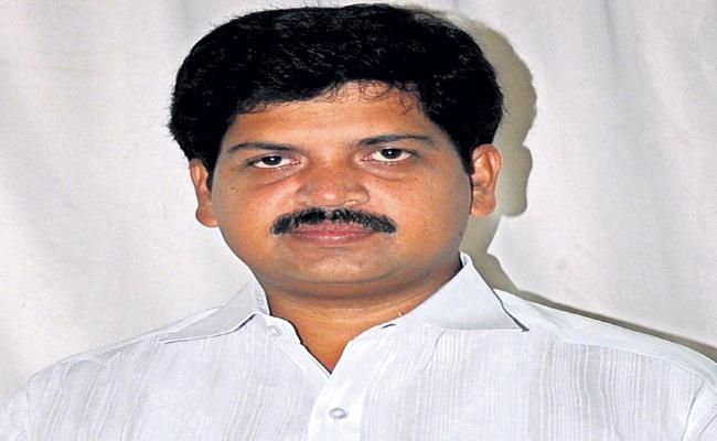 Conditional Bail Granted To Kollu Ravindra - Sakshi
