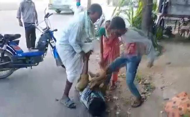 Boy Kidnapped In Nizamabad - Sakshi