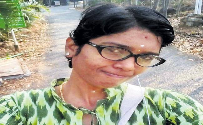 Woman Was Arrested For Cheating In Name Of Marriages - Sakshi