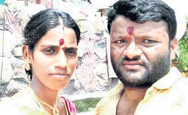 Former Couple Deceased With Current Shock in Medak - Sakshi
