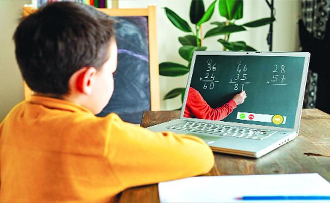 Students Faced Online Education Classes Due To Smartphones - Sakshi