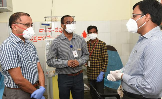 First Person in SPSR Nellore Doctor Donates Plasma - Sakshi