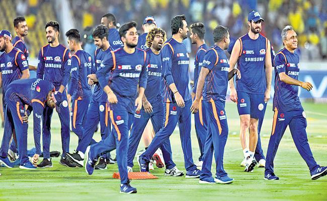 IPL teams considering resorts over five-star hotels in UAE - Sakshi