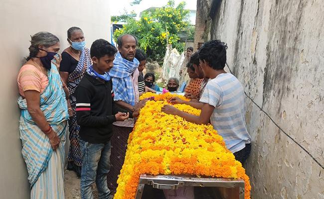 New Twist In The Serial Actress Sravani Suicide Case - Sakshi
