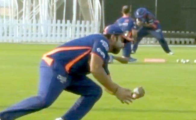 Rohit Sharma Wows Fans With Stunning One Handed Catch In Practice - Sakshi