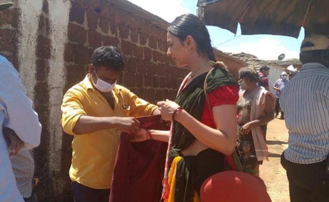 Rakul Preet Singh In Vikarabad For Shooting - Sakshi